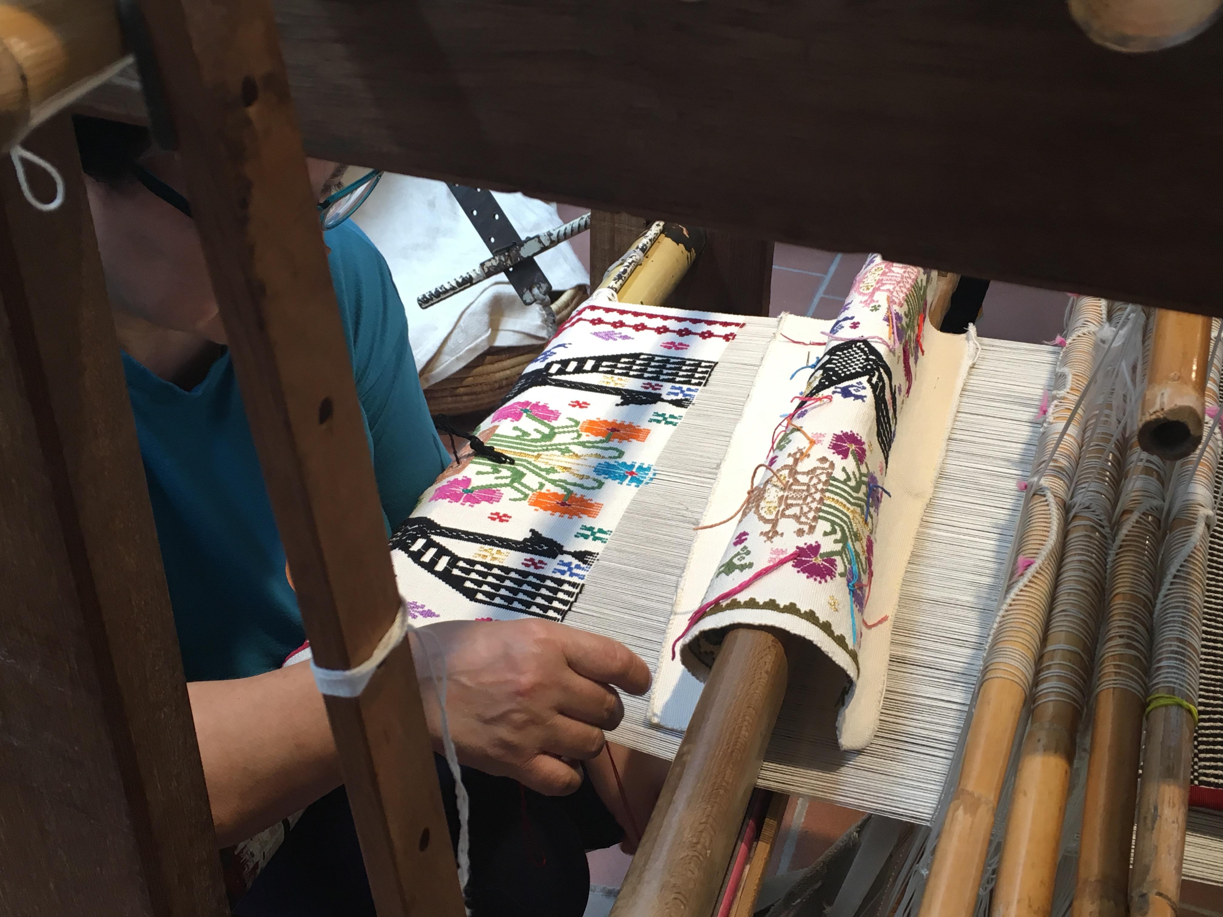 Tessitura a mano - Fiera dell'Artigianato artistico della Sardegna - Mogoro (Or) - Orizzonte Cultura