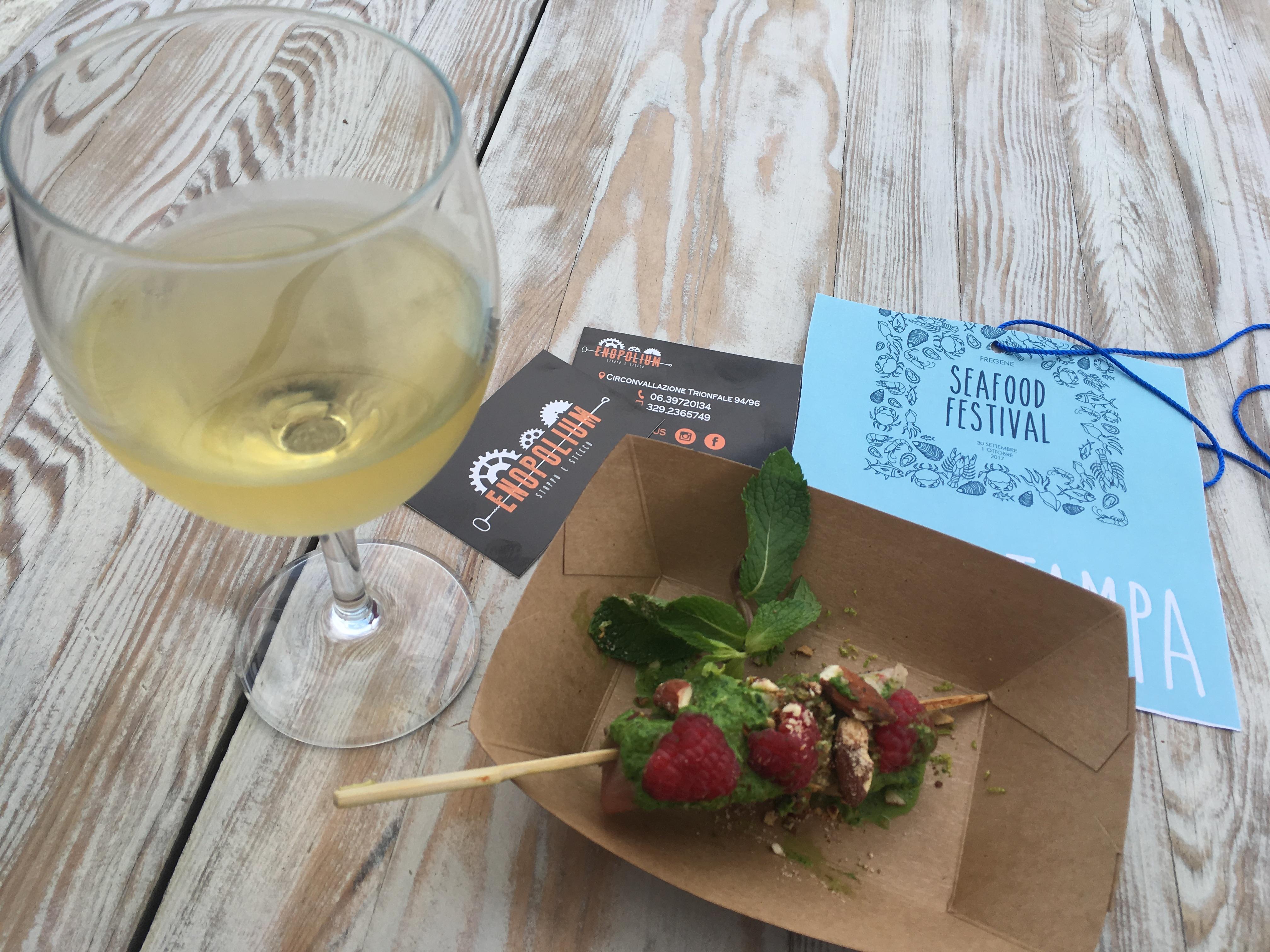 Stecco di tonno fresco con pesto di rucola, lamponi e mandorle di Enopolium - Sea Food Festival - Orizzonte Cultura
