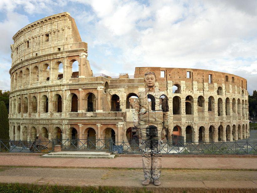 Liu Bolin, Colosseo n°2, Roma, 2017 Courtesy Boxart, Verona