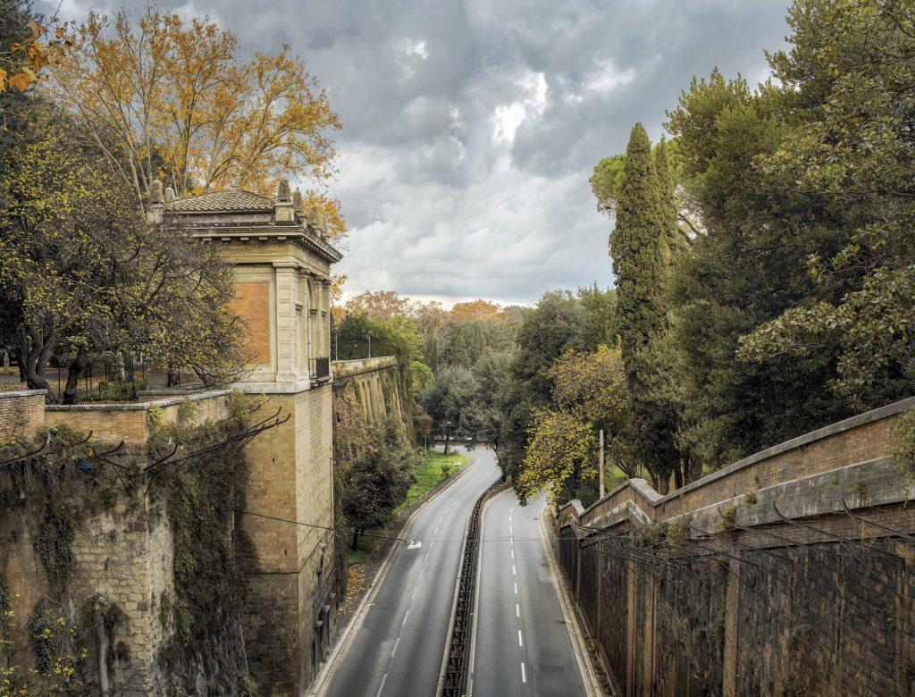 Il Muro Torto dal ponte di Villa Borghese - Walls. Le Mura di Roma. Fotografie di Andrea Jemolo